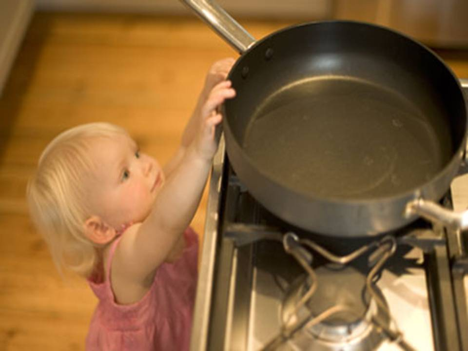 household safety preventing poisoning for parents - 960×720